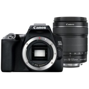 Foto 1 Fotocamera Reflex Canon EOS 250D Black + Obiettivo 18-135mm IS STM – Prodotto in Italiano