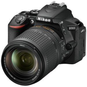 Foto 1 Kit Fotocamera Reflex Nikon D5600 + Obiettivo AF-S 18-140mm VR Black – Prodotto in Italiano