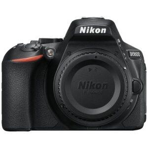 Foto principale Kit Fotocamera Reflex Nikon D5600 + Obiettivo AF-S 18-140mm VR Black – Prodotto in Italiano